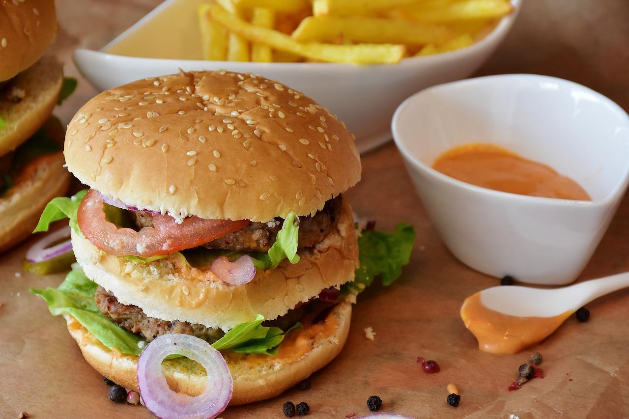burger, hamburger, roll-2762431.jpg